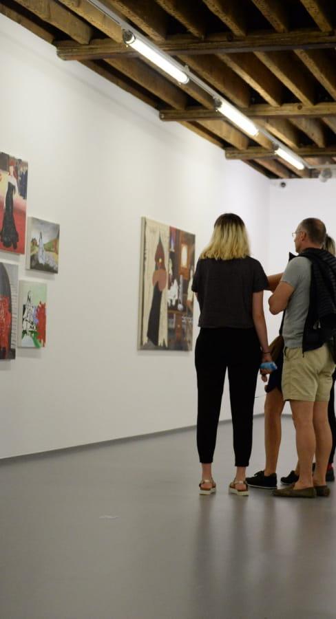 Visite pour les familles le mercredi après-midi à la galerie Raymond Hains