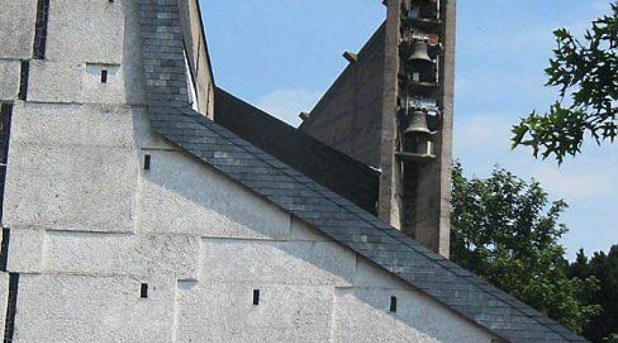 leglise-saint-yves-moderne-et-mysterieuse