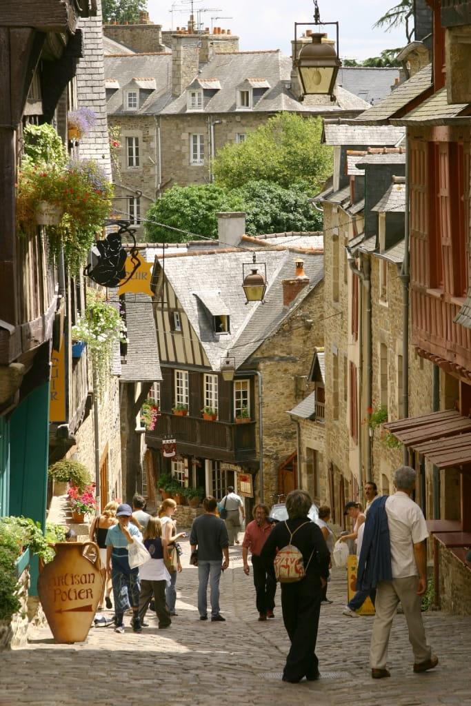La rue du Jerzual à Dinan © Franck Hamon