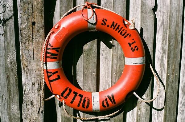 Bouée de sauvetage - puces marines St Cast le Guildo