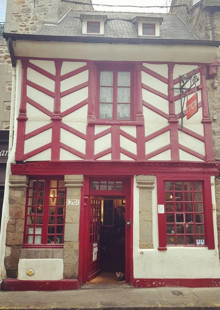 Bar_le_1701_Saint-brieuc_facade