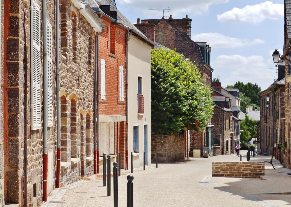 Rue-de-la-Saulnerie---Office-de-Tourisme-Montfort-Communaute-2