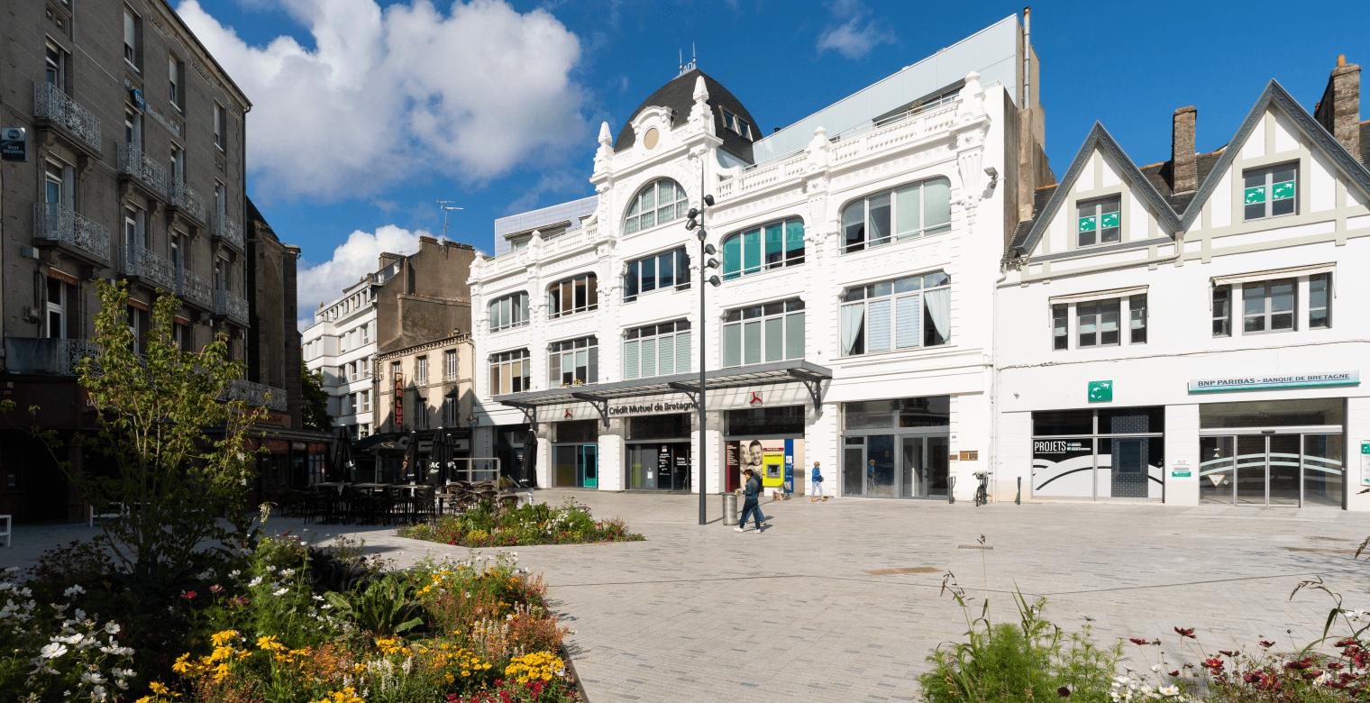 Place Duguesclin_Saint-Brieuc_immeuble historique