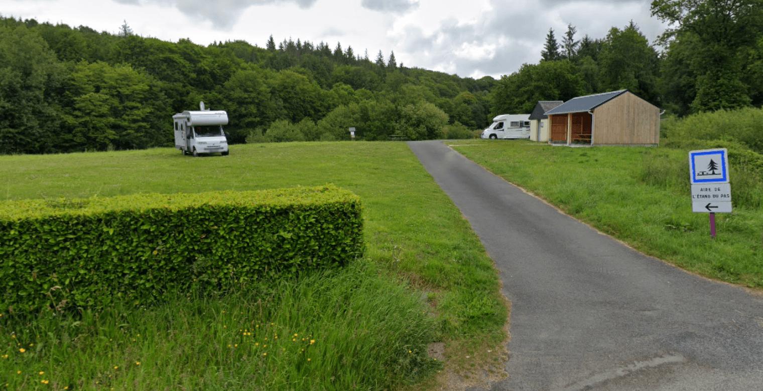 Aire_camping_car_Lanfains