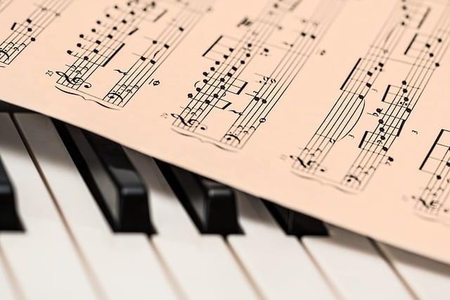 Piano-Dinan-Cap-Frehel-Tourisme---Pixabay-7