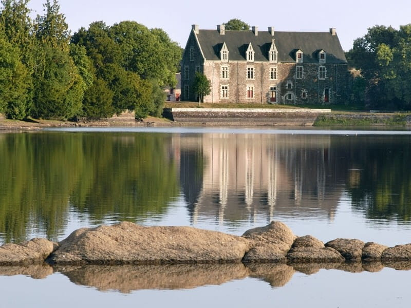 Château de Comper en Brocéliande