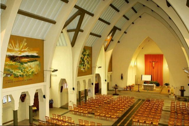 Eglise_sainte_Therese_de_Gouédic