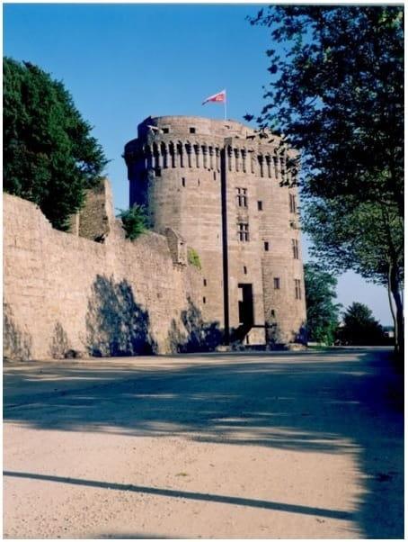 OT Dinan - Château - Remparts