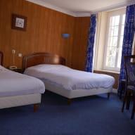 c-hotel du commerce quintin